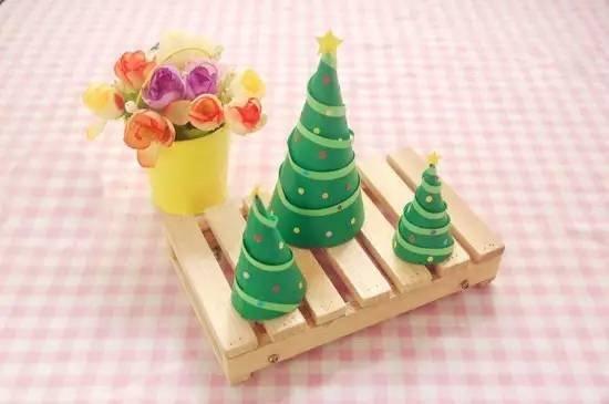 东方童画圣诞节手预热手工第一弹:圣诞树_上海东方童画