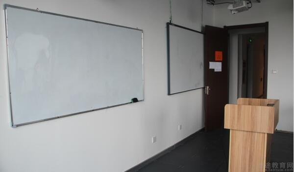 青岛培诺教育