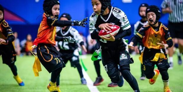 巨石达阵青少年美式橄榄球学院比赛