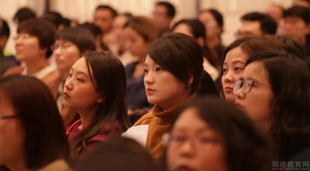 国际专家登陆i2国际私塾 培养孩子适应全球化