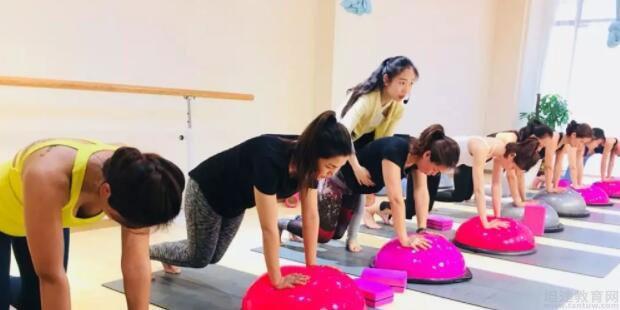 广州瑜曼伊人舞蹈培训